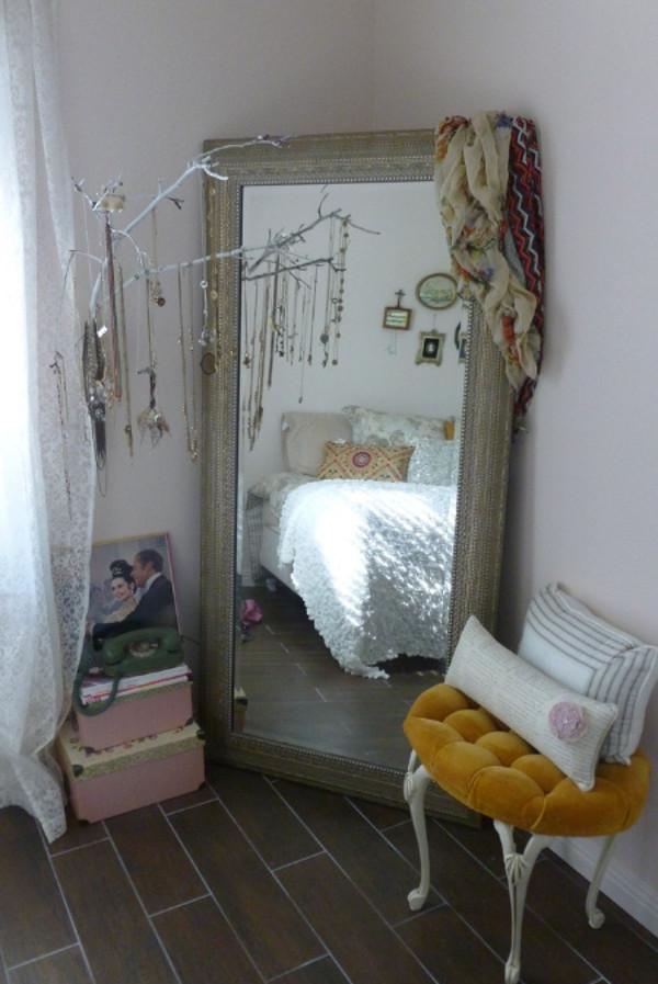 Itens para criar um espaço extra de armazenamento no quarto